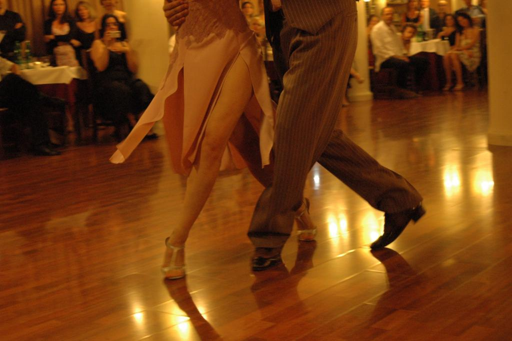 tango piedi